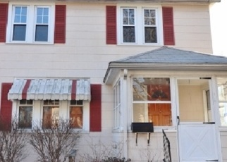 Foreclosed Home en DEXTER AVE, Meriden, CT - 06450
