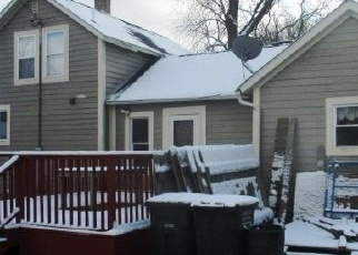 Foreclosed Home en E NORTH ST, Silver Lake, WI - 53170