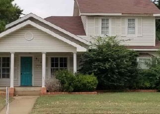 Foreclosed Home in W HICKORY AVE, Duncan, OK - 73533