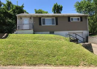 Foreclosed Home en 3RD ST, Clairton, PA - 15025