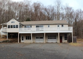 Foreclosed Home en WEEKEEPEEMEE RD, Woodbury, CT - 06798