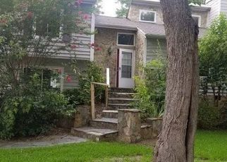 Foreclosed Home in KINGFISHER DR, Charlotte, NC - 28226
