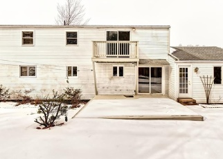 Foreclosed Home en GENEVA AVE, West Hartford, CT - 06107