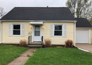 Foreclosed Home in SURBY AVE, Battle Creek, MI - 49015