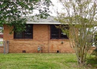 Foreclosed Home in FRANCIS ST, Marrero, LA - 70072