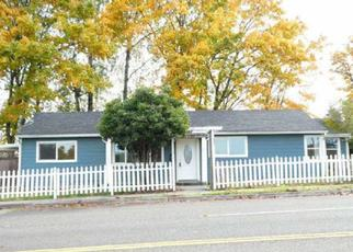 Foreclosed Home en S THOMPSON AVE, Tacoma, WA - 98418