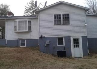 Foreclosed Home en MARTINSVILLE HWY, Danville, VA - 24541