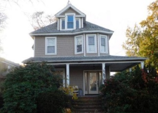 Foreclosed Home in HEMPSTEAD AVE, Lynbrook, NY - 11563