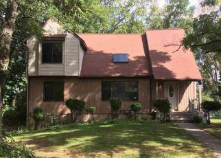Foreclosed Home en WARBLER WAY, Albany, NY - 12203