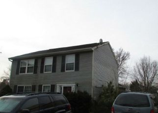Foreclosed Home en DOWERY LN, Belcamp, MD - 21017