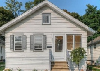 Foreclosed Home en FOREST AVE, Lansing, MI - 48910