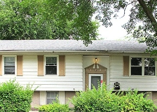 Foreclosed Home en S SPRUCE LN, Glenwood, IL - 60425
