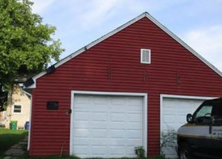 Foreclosed Home en S MAPLE AVE, Green Bay, WI - 54304
