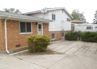 Foreclosed Home en N PAMELA DR, Chicago Heights, IL - 60411