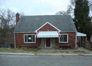 Foreclosed Home en ANGELO DR, Pittsburgh, PA - 15236