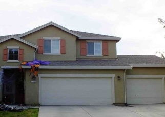 Foreclosed Home en RUDDER AVE, Tulare, CA - 93274