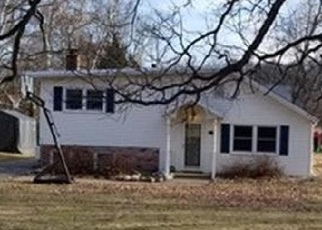Foreclosed Home en S LAGRAVE ST, Paw Paw, MI - 49079