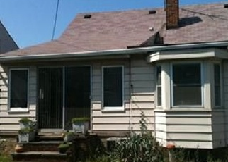 Foreclosed Home en CLIFFORD AVE, Cleveland, OH - 44135