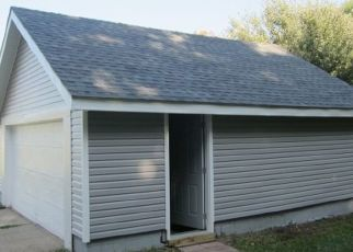 Foreclosed Home in LAKEVIEW DR, Elkhart, IN - 46514