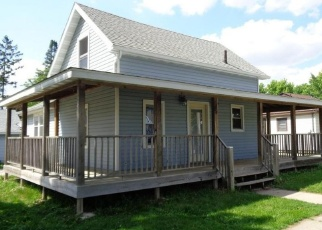 Foreclosed Home en N SPRING ST, Columbus, WI - 53925