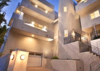 Foreclosed Home en SUNSWEPT DR, Studio City, CA - 91604