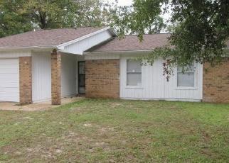 Foreclosed Home en LINDEN AVE, Niceville, FL - 32578