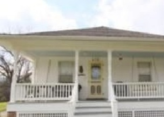 Foreclosed Home en S HUNTER ST, Independence, MO - 64050