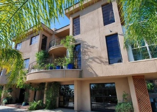 Foreclosed Home en PACIFIC VIEW DR, Los Angeles, CA - 90068