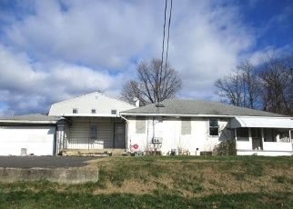 Foreclosed Home en ANDERSON AVE, Marcus Hook, PA - 19061