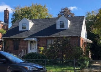 Foreclosed Home en 195TH ST, Flushing, NY - 11358