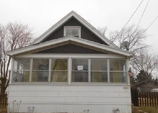 Foreclosed Home en E CORA AVE, Milwaukee, WI - 53235