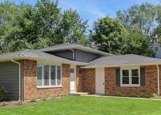 Foreclosed Home en HILL RD, Geneva, IL - 60134