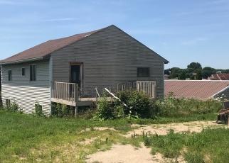 Foreclosed Home in BAY DR, Dixon, IL - 61021