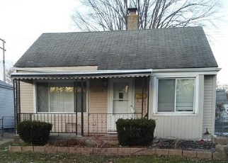 Foreclosed Home in ROSCOMMON ST, Harper Woods, MI - 48225