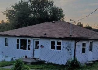 Foreclosed Home in CUSTER AVE, Cadiz, OH - 43907