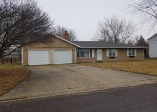 Foreclosed Home in PERRY DR, Virden, IL - 62690