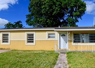 Foreclosed Home en NW 159TH ST, Opa Locka, FL - 33054