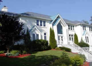 Foreclosed Home in CHOPIN DR, Wayne, NJ - 07470