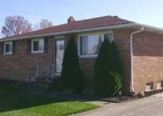 Foreclosed Home en TUCSON DR, Cleveland, OH - 44130