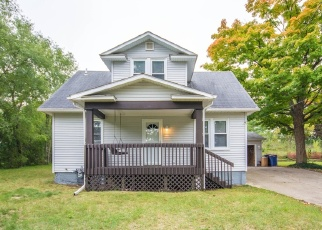 Foreclosed Home en IDA AVE NW, Grand Rapids, MI - 49504