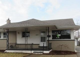 Foreclosed Home en FLORAL ST, Roseville, MI - 48066