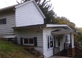 Foreclosed Home en ARMSTRONG LN, East Liverpool, OH - 43920