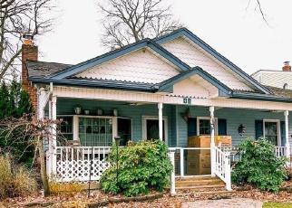 Foreclosed Home en WALL ST, Farmingdale, NY - 11735