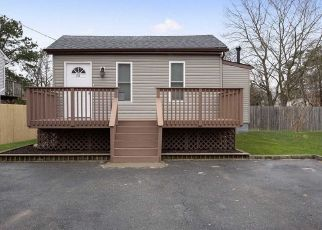Foreclosed Home en GRANT AVE, Brentwood, NY - 11717