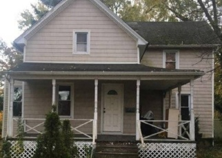 Foreclosed Home en BROWER AVE, Oceanside, NY - 11572