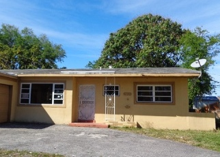 Foreclosed Home en NW 183RD ST, Opa Locka, FL - 33056