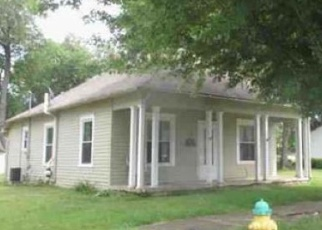 Foreclosed Home en S 32ND ST, Newark, OH - 43055