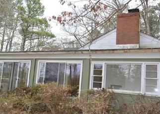Foreclosed Home en LITTLE BAY RD, White Stone, VA - 22578