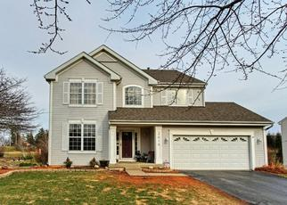 Foreclosed Home en SPRING CREEK LN, Mchenry, IL - 60050