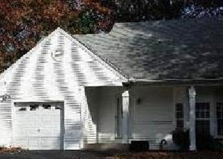 Foreclosed Home en GRAND CANYON LN, Coram, NY - 11727